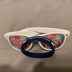 Vineyard Vines x Kentucky Derby glasses and band